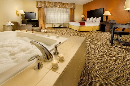 King Jacuzzi Room Picture Of Holiday Inn Express Suites Manassas Manassas Tripadvisor