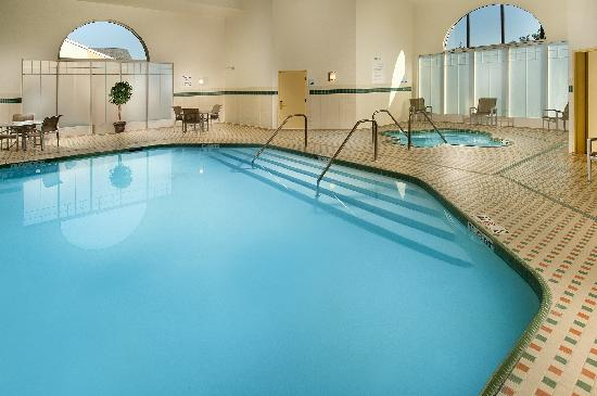 Holiday Inn Express & Suites Manassas: Our Inviting Pool