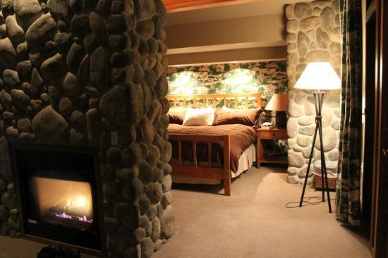 ريفر روك لودج: Bedroom area
