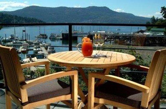 Brentwood Bay Resort & Spa: OceanSuite Patio