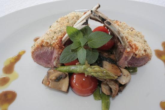 Restaurante O Marinheiro : Lamb Rack on fresh Vegatables