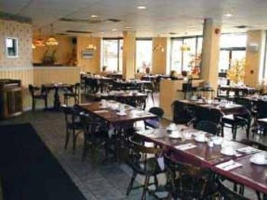 Quality Inn Arnprior: Restaurant