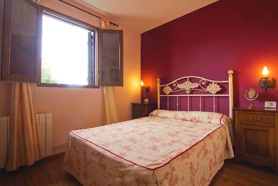 Hostatgeria Sant Jaume: Habitación rosa