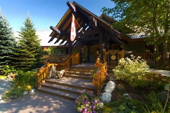 Edgewater Lodge & Restaurant: Exterior