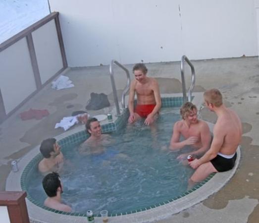 Casa Alpina: HOT TUB