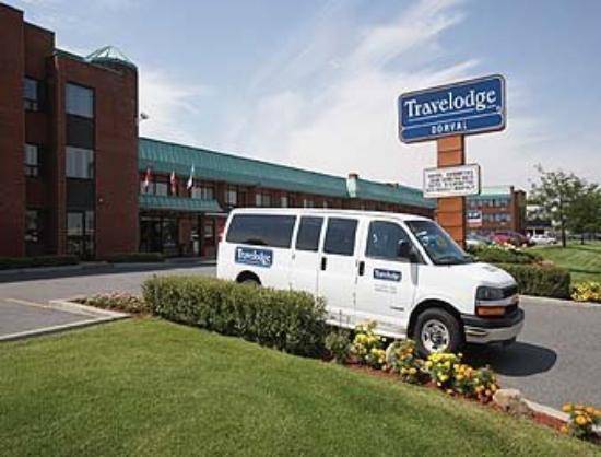 Quality Inn & Suites P.E. Trudeau Airport-Montreal : Shuttle Bus Transportation