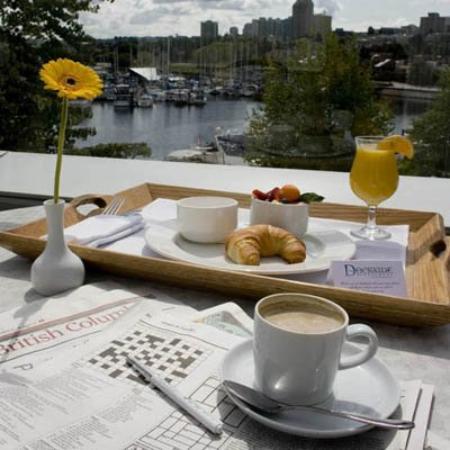 Granville Island Hotel : Breakfast - View
