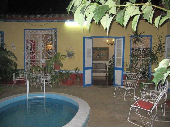 Hostal Casa Yohn : patio de casa Yohn