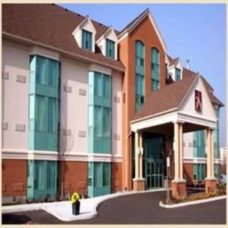 Admiral Inn & Suites