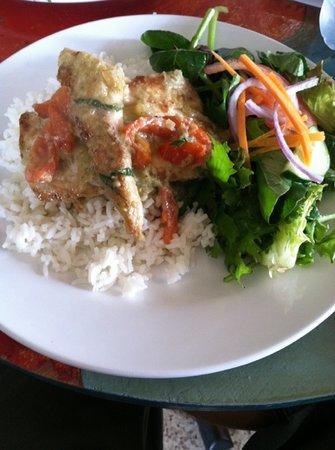 Cocina Creativa: mahi in green curry w rice and mixed greens