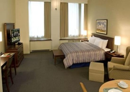 Le Square Phillips Hotel & Suites : Deluxe Studio King Bed