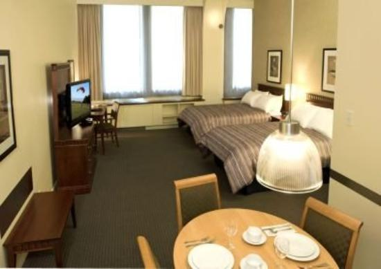 Le Square Phillips Hotel & Suites : Deluxe Studio Two Double Beds