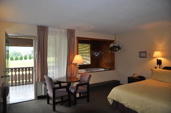 Talley Ho Inn: Take a peak at our rooms...