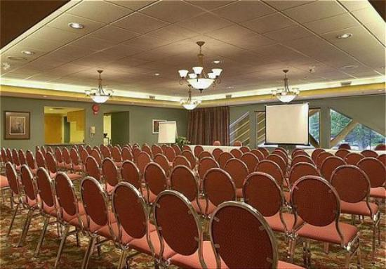Coast Hillcrest Hotel: Conference Space
