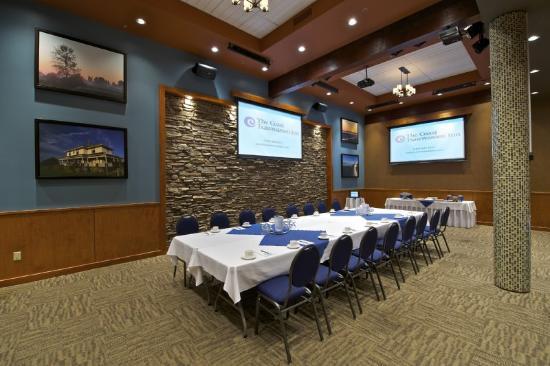Coast Tsawwassen Inn: Centennial Room - Boardroom