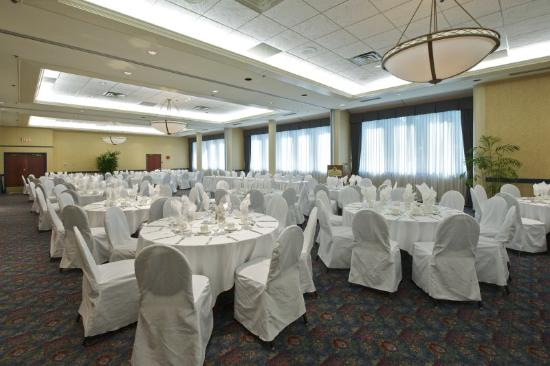 Coast Tsawwassen Inn: Pacific Ballroom - Dinner
