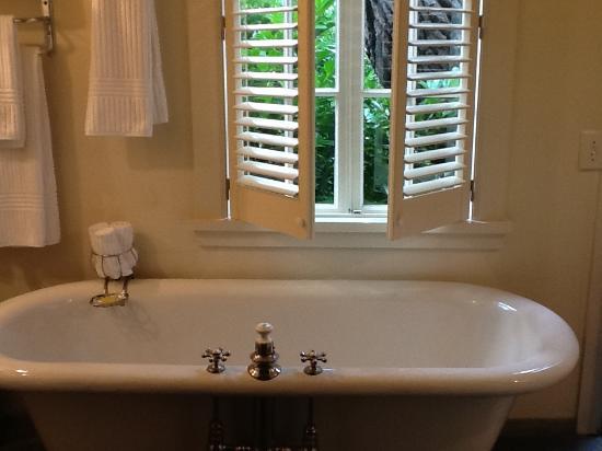 Manka's Inverness Lodge: Bathroom in Fishing Cabin