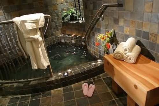 Harrison Hot Springs Resort & Spa: Healing Springs Spa - Private Hot Pool