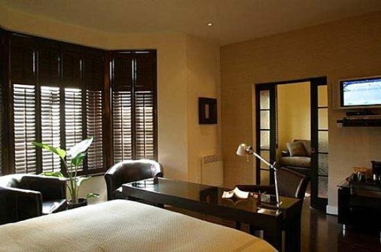 Le Relais Lyonnais: Guest Room