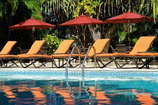 Settlers Beach Villa Hotel