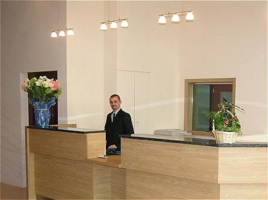Euro Capital: Reception desk