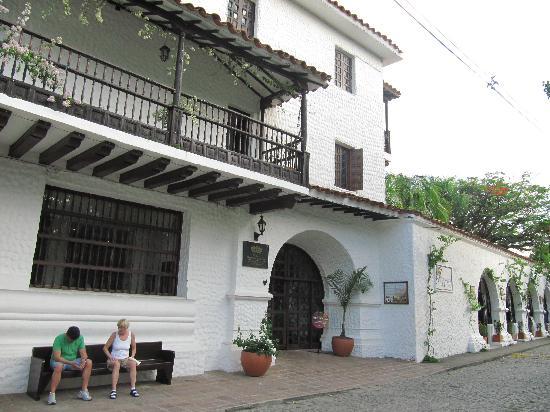 Hotel Mariscal Robledo: facciata palazzo