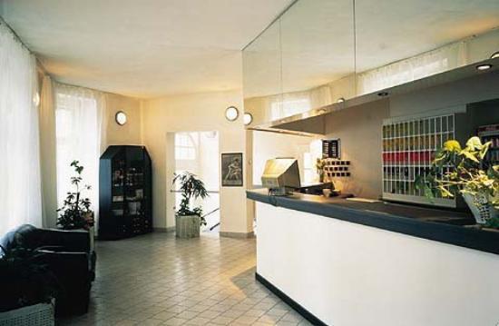 Hotel Esprit Prague: Reception