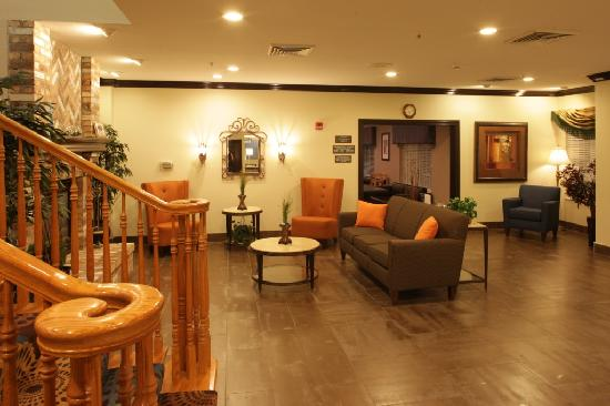 Holiday Inn Express Hotel & Suites Chicago-Deerfield/Lincolnshire: Lobby