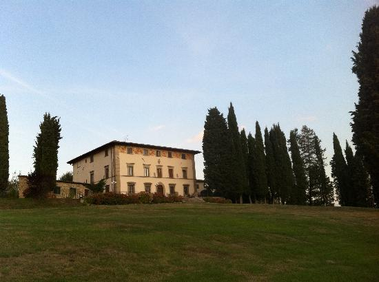 Villa Campestri Olive Oil Resort: Sunrise at Villa Campestri