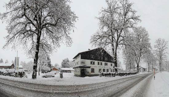Hotel Waldmann in de winter..