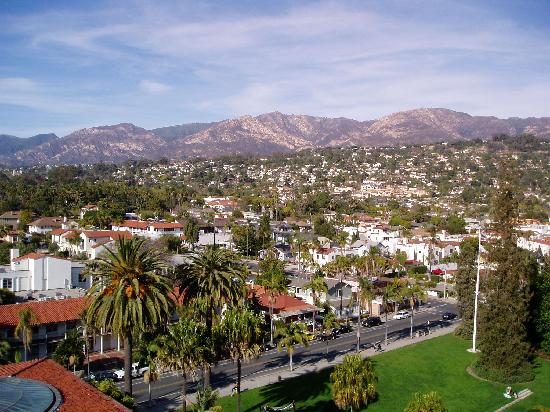 Santa Barbara, Californië: view from the tower ... can walk right around and see 360 degrees ... amazing view