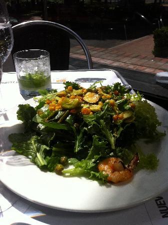Cafe Renault: Seafood salad.