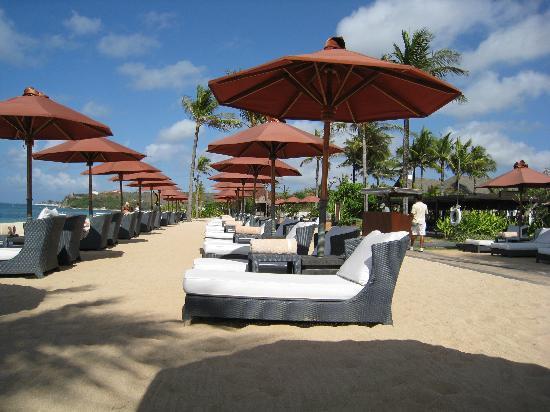 mobilier de plage picture of the st regis bali resort nusa dua tripadvisor. Black Bedroom Furniture Sets. Home Design Ideas