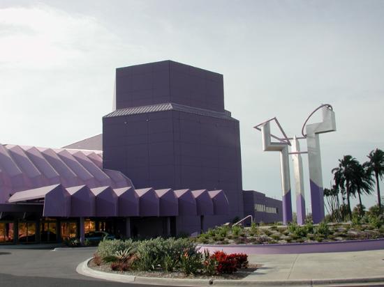 Van Wezel Performing Arts Hall: Van Wezel - Front view