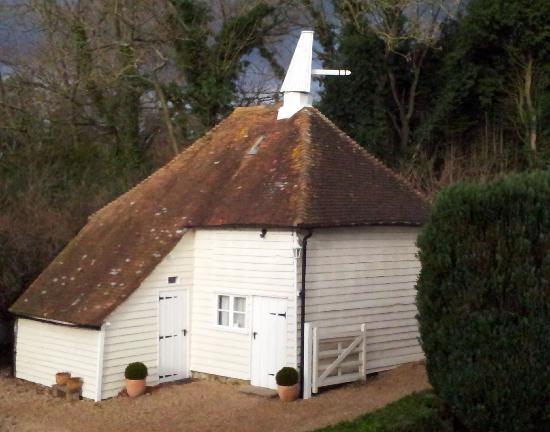 Godwin House: Godwin Oast - symbol of Kent
