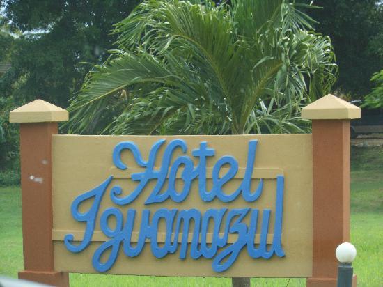 Hotel Iguanazul: Entrance