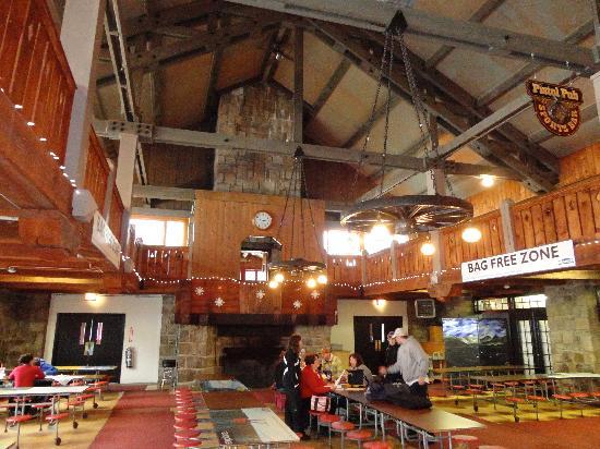 Gunstock Mountain Resort: Inside Old Lodge