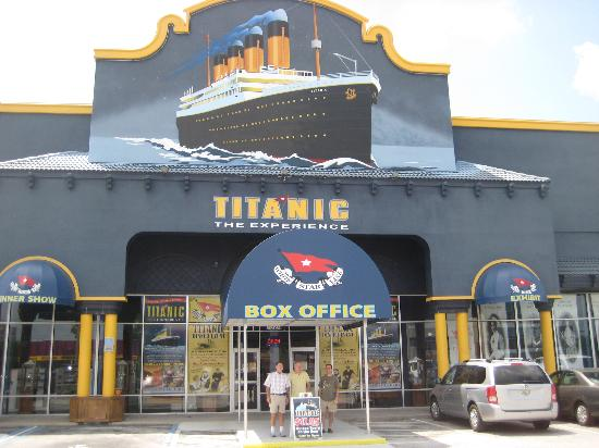 titanic entrance