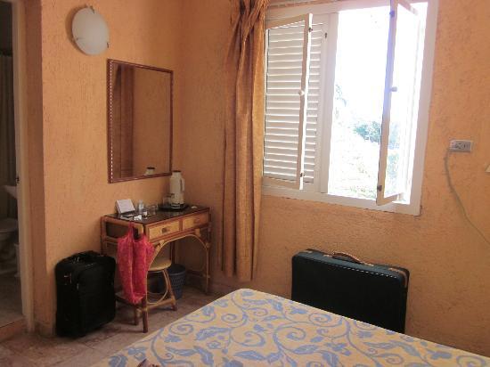 Hotel Dos Mares: my room