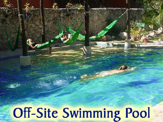 Hotel del Peregrino: Nearby Pool
