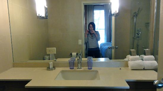Mill Street Inn: bathroom