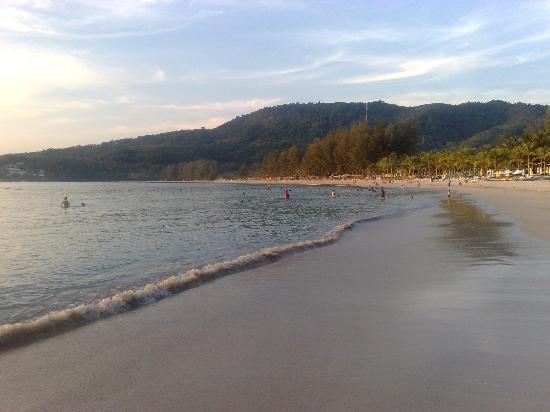Kamala Beach: Sunrise at Kamal Beach