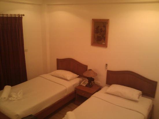 จันดีเกสเฮาส์: Basement twin room