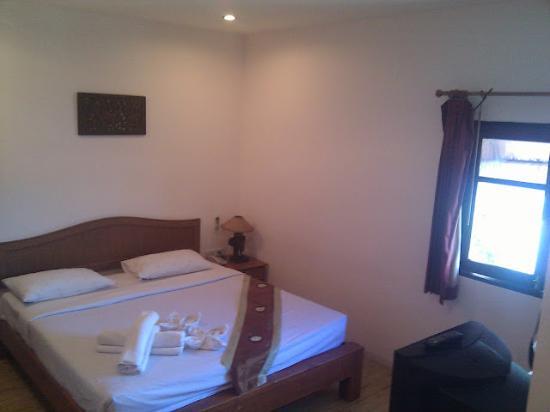 Chandee Guesthouse : Top floor Queen room
