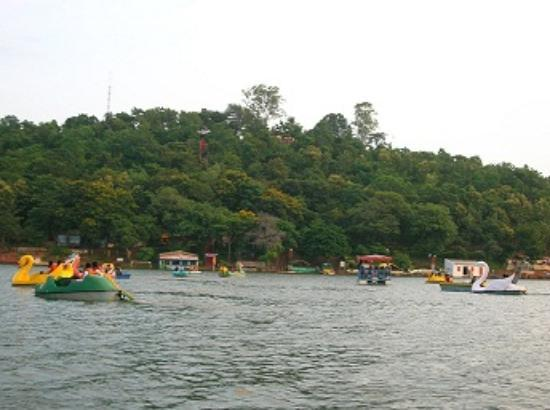 Nagpur, India: Khindsi boating