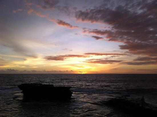 Bali Vacation Driver - Day Tours: Sunset at 'Tanah Lot'