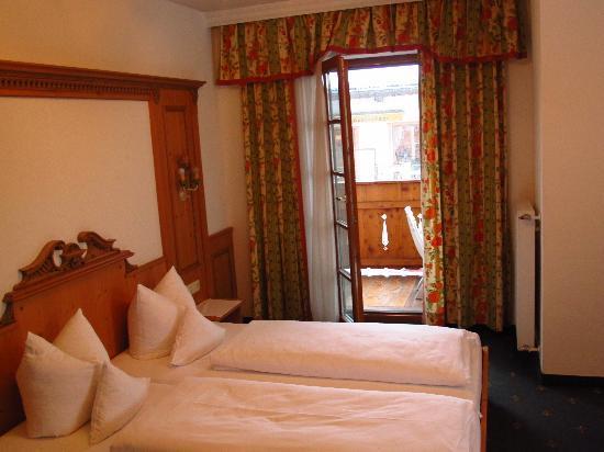 Hotel Restaurant Der Hoferwirt : Our room