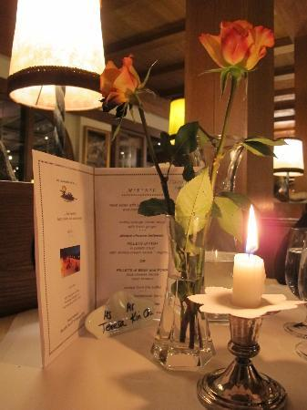 Hotel Restaurant Der Hoferwirt : Dinner table at the hotel