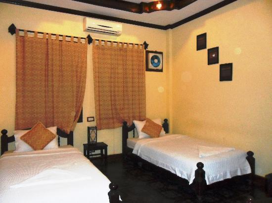 Namsok Hotel: hotel room
