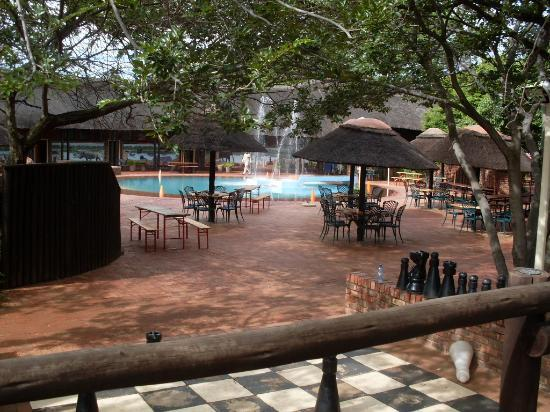 Golden Leopard Resort - Manyane: pool area